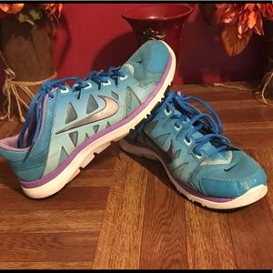 Nike Purple and blue sneakers size 9 1/2